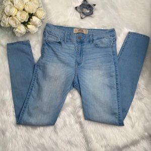 Hollister super skinny highrise 11R w30 L31